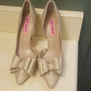BETSEY JOHNSON SPARKLY HEELS SIZE 7
